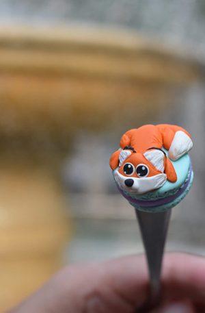 Lingurita vulpe pe macarons